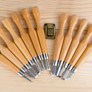 basic_wood_carving_tools